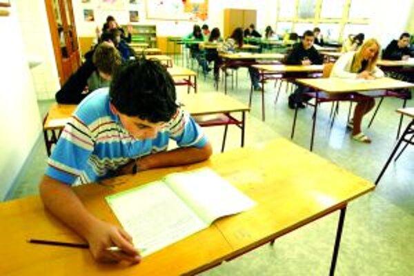 Aj tento školský rok sa začal s chýbajúcimi učebnicami.