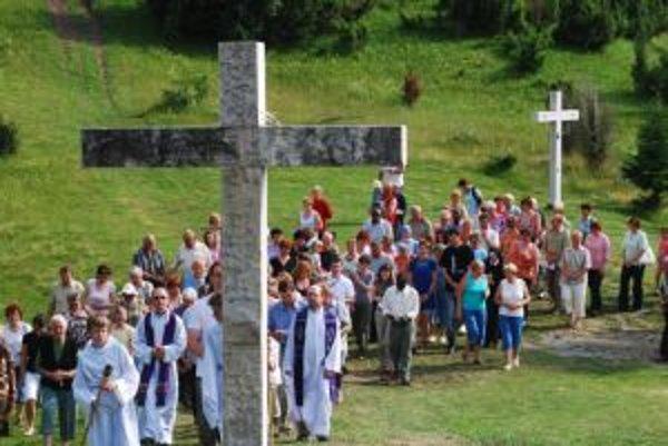 Veriaci sa nedávno stretli v Terchovej. Poslednú sobotu aj na Trojmedzí.