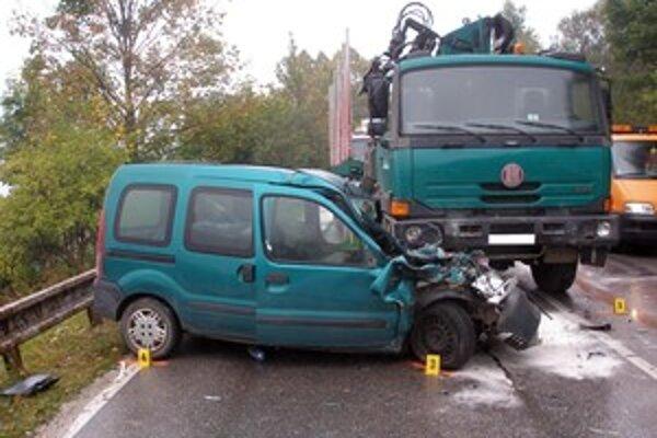 Na vozidlách vznikla škoda za 7-tisíc eur.