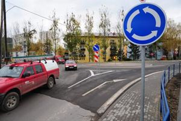 Nová kruhová križovatka zvýši bezpečnosť v meste.