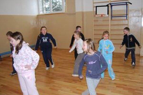 Deťom sa v telocvični páči.