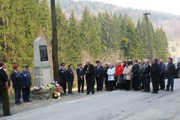 Obyvatelia Semeteša si včera pripomenuli tragédiu, ktorá sa tu odohrala pred 65-timi rokmi.