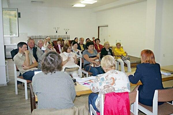 Na rokovanie výboru mestskej časti prišli aj obyvatelia.