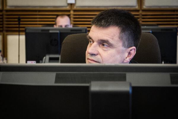 Vyšetrovanie Študentského pôžičkového fondu, v ktorom pôsobil aj minister školstva Peter Plavčan (SNS), niektorých podozrení z porušenia zákona netýkalo.