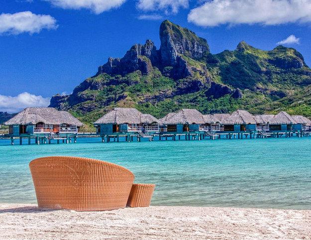 Vodné bungalovy vo Four Seasons, Bora Bora.