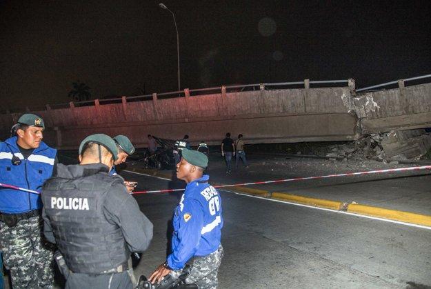 Zrútený most v ekvádorskom meste Guayaquil.