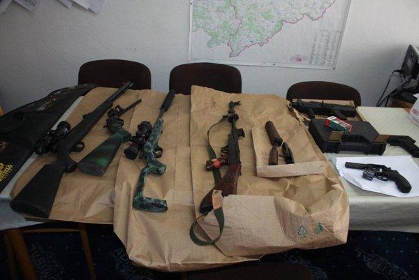 Zbrane putovali na expertízu