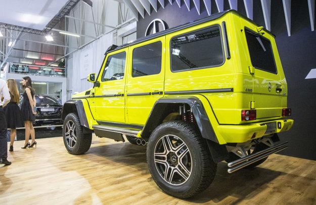 Mercedes triedy G je určite neprehliadnuteľný, a to nielen pre svoju výraznú farbu.