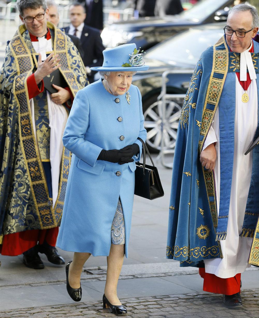 Kráľovná Alžbeta II. je známa obľubou jasných pastelových farieb.