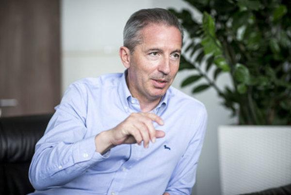 Generálnemu riaditeľovi RTVS Václavovi Mikovi končí päťročné funkčné obdobie na budúci rok.