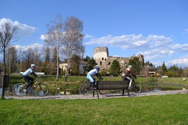Pri cyklotrasách sú aj významné pamiatky.