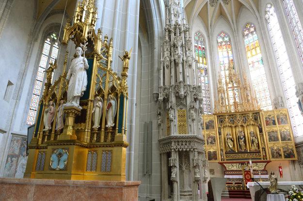 Za peniaze z nórskych fondov sa obnovili aj štyri oltáre   Dóme sv. Alžbety.