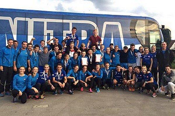 Dorastenecké tímy ŠK ŠOG Nitra boli v Dubnici opäť úspešné.