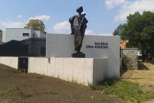 Galériu Jána Kulicha otvorili v jeho rodnej obci vlani v júli.