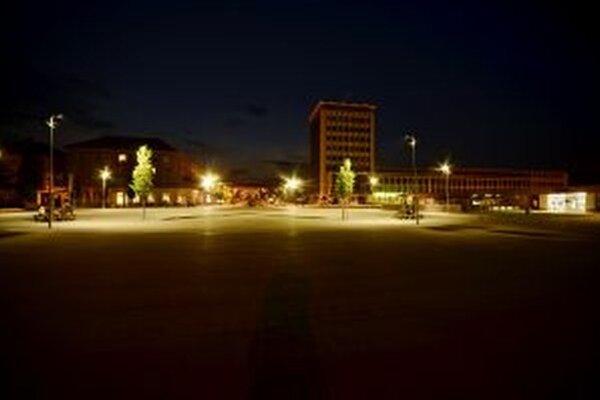 Do konca roka by sa malo byť vymenené osvetlenie v celom meste.