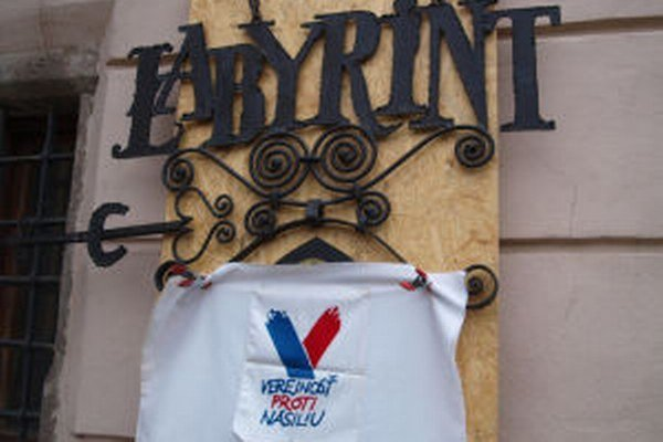 Novembrové udalosti pre Kremnicu začali v klube Labyrint.