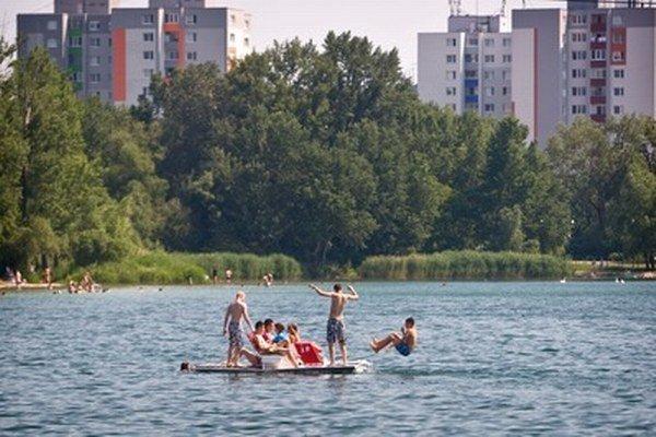 Kúpanie na jazere Draždiak.