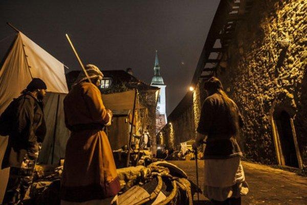 Minulý rok sa na mestských hradbách konali aj vianočné trhy, ktoré boli tiež v stredovekom duchu.