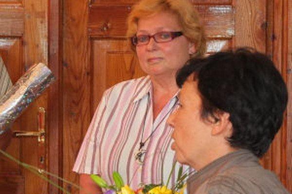 Elena Hašková (vľavo) je odhodlaná dosiahnuť zrušenie výpovede na súde.