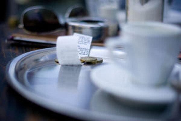 Domácich študentov sa do kaviarní v Banskej Štiavnici hlási pomenej, väčší záujem majú brigádnici z okolitých obcí.