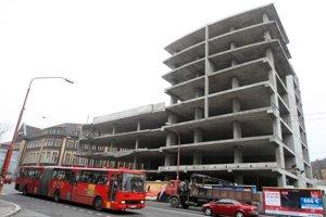 Budova na Šancovej mala mať pôvodne 8 poschodí, dodatočne však povolili 22.