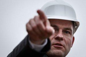 Nový predseda parlamentu Peter Pellegrini chce, aby pod Hradom parkovali návštevníci.