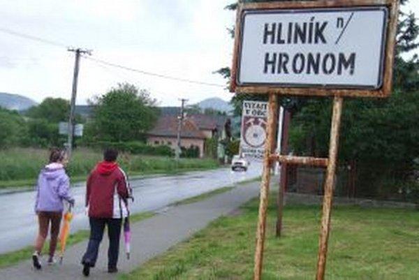 Zriadia obecnú políciu? Touto otázkou sa aktuálne zaoberá Hliník nad Hronom.