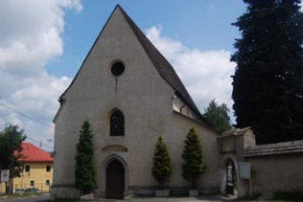 Kostolík slúži ako dom smútku.