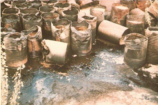 Skládka ropy v Slovnafte z roku 1971.