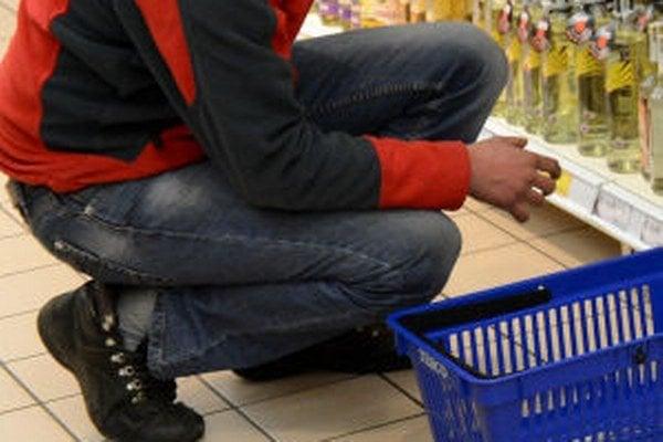 Za opakovanú krádež v obchode hrozí väzenie.