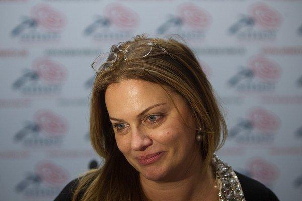 Monika Flašíková-Beňová má priebežne 24,4 percent hlasov.