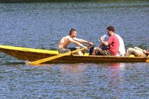 S takýmto plavidlom si v nedeľu 11. augusta na Počúvadle nevystačíte. Chce to viac fantázie.