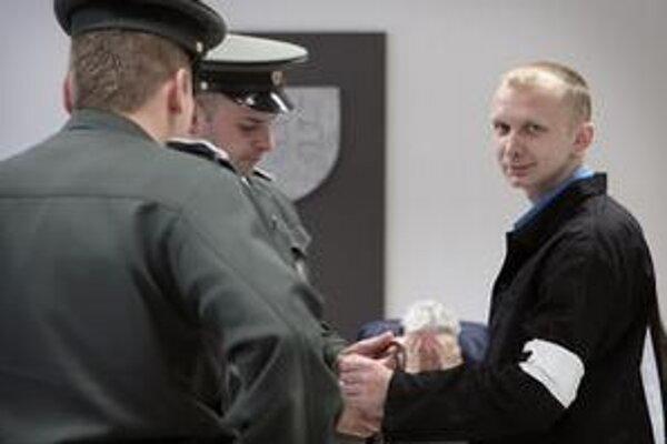 Červenku už šesť ráz súdne trestali.