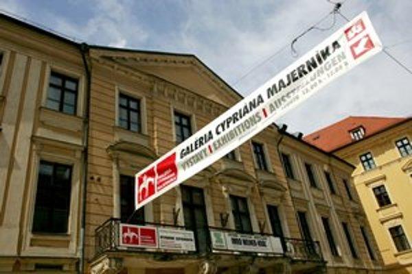 Galéria Cypriána Majerníka sídli v centre Bratislavy. Jej história siaha s prestávkou až do roku 1957.