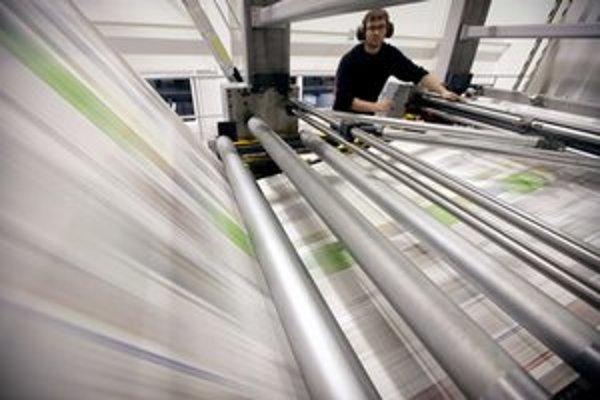 Firma po súťaži tlačí miestne noviny za menej.