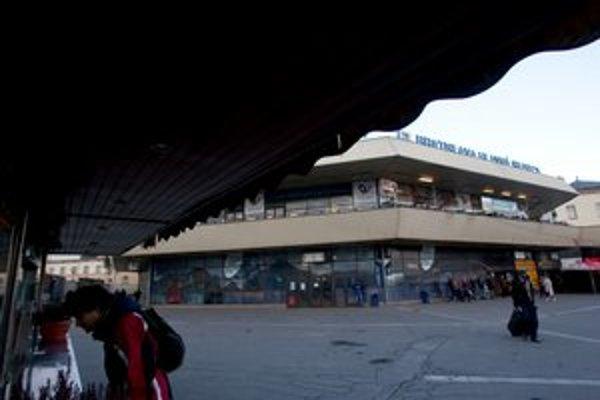 Na súde možno skončí aj projekt na prestavbu Hlavnej stanice.