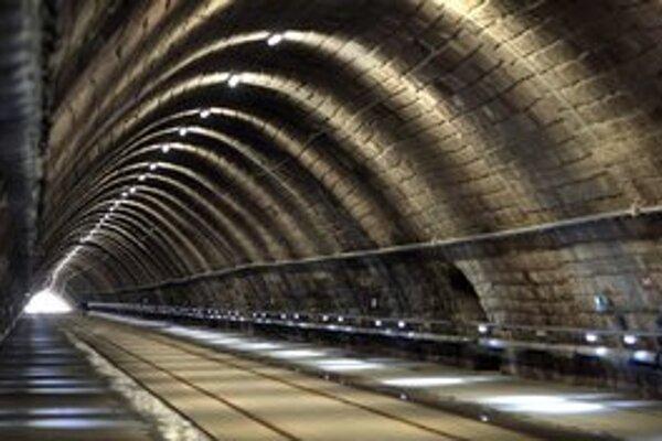 Električkový tunel majú otvoriť na Sviatok práce.