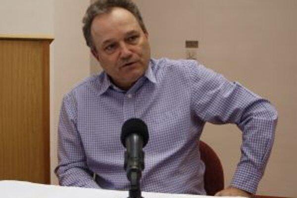 Ladislav Kukolík dnes oznámil, že na primátorský post vo voľbách 29. júna kandidovať nebude.