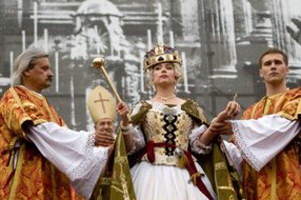 Pred dvoma rokmi Bratislavčania korunovali aj Máriu Teréziu.