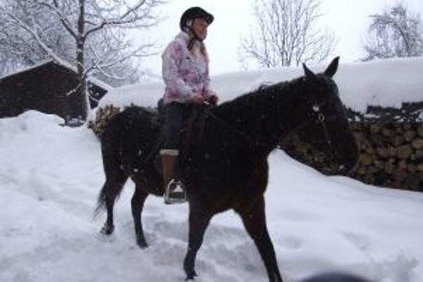 Predmet chov koní zaviedli v Štiavnických Baniach tento školský rok.