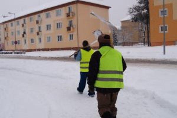 Sneh trápi mestá o obce. Na boj s ním míňajú desiatky tisíc eur.