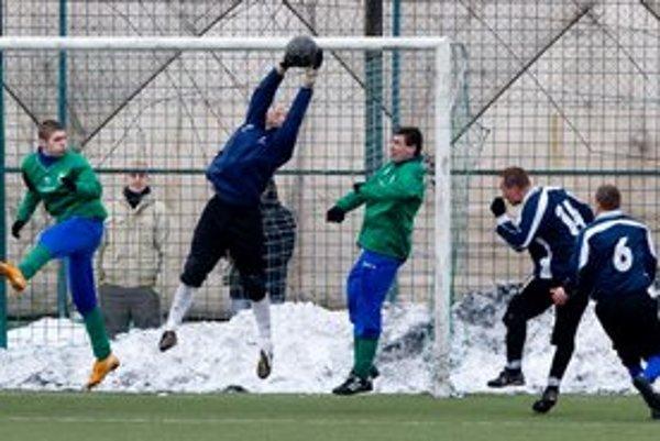 V nedeľu sa hrajú stretnutia predposledného 6. kola skupinovej fázy seniorského Zimného turnaja Bratislavského futbalového zväzu.
