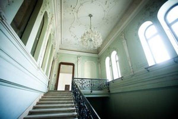 Palác majú obnovovať postupne. Je národnou kultúrnou pamiatkou.