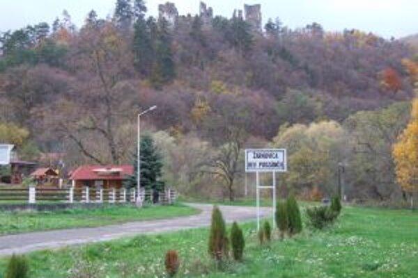 Z predaja pozemkov v Revištskom Podzámčí získala Žarnovica desiatky tisíc eur.