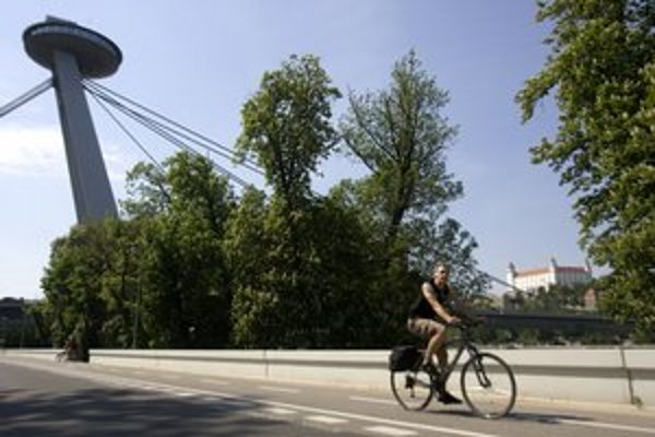 Cyklotrás je v Bratislave stále málo.