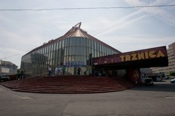 Tržnicu spravuje Nové Mesto.