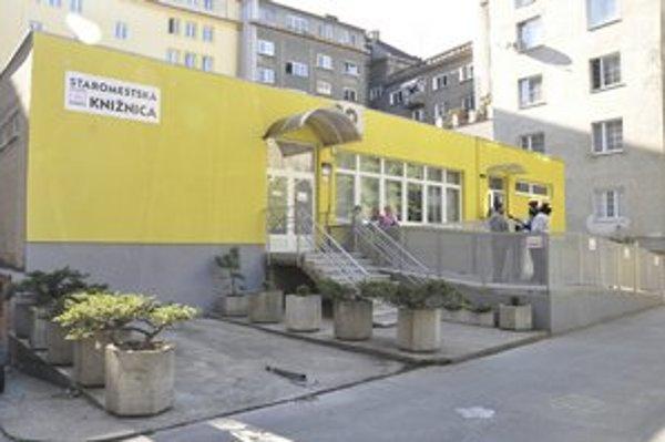Knižnica na Blumentálskej.