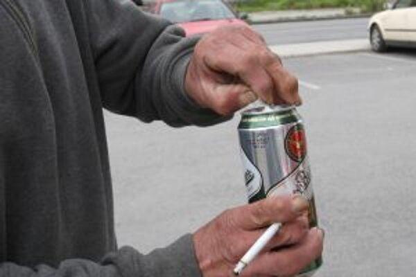 Zákaz alkoholu v uliciach mestá postupne rušia. Kremnica sa protestu prokurátora vzoprela.