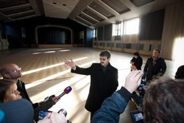 PKO chce developer zbúrať, hoci mu nepatrí. Primátor Milan Ftáčnik (na snímke) však kľúče vypýtal naspäť.