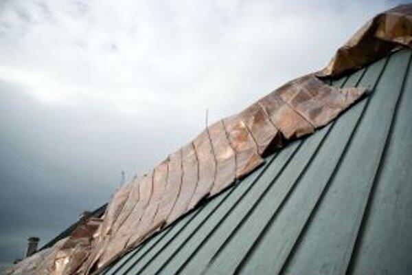 Nárazový vietor predstavuje potenciálne riziko pre ľudské aktivity.